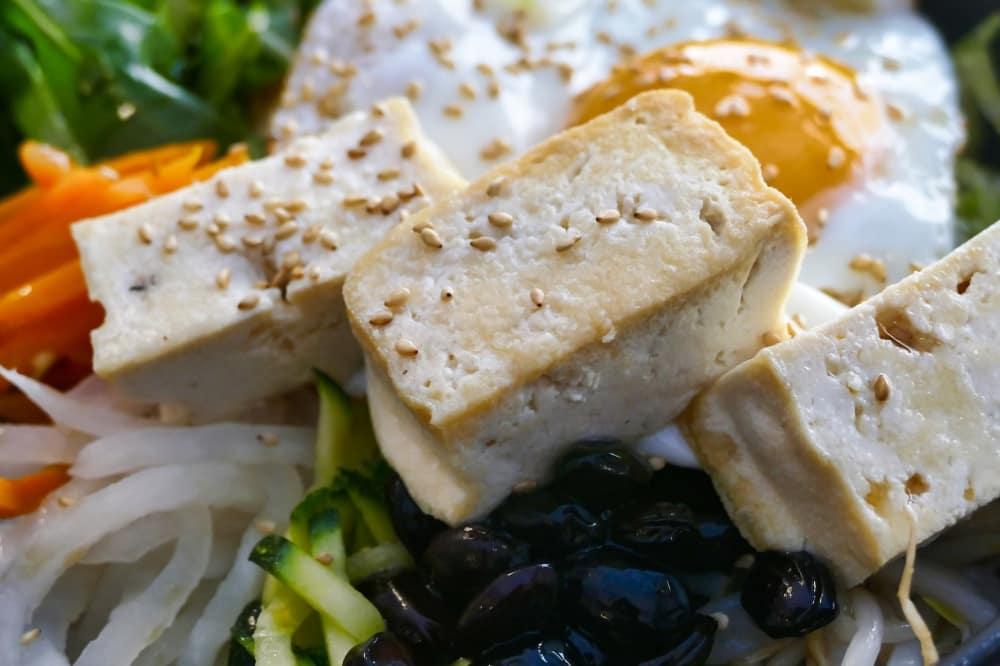 豆腐はヘルシーでタンパク質も多い